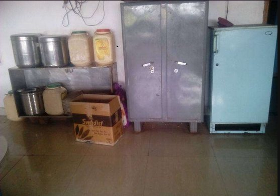 Girls Hostel With lunch and dinner facility..