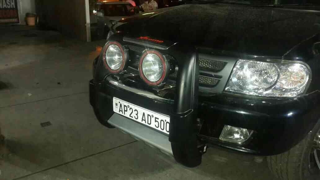 Hid fog lights with U type bullbar available for all suv's @ motominds