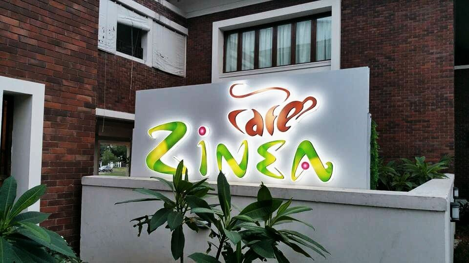 Cafe Zinea is a fun & food place, situated in the greens of Civil Lines area , Nagpur which has a seating capacity of 100 people.   Cafe Zinea serves multi cuisine food with handpicked dishes from Lebanese, Mexican, Thai, Chinese, Italian and ofcourse yummy Indian. Come to experience best range of Coffees, Shakes and Ice cream desserts.