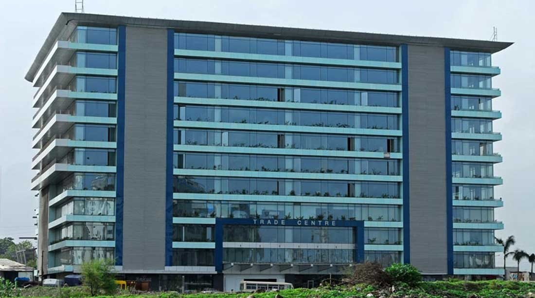 Fully Furnish Commercial Offiice in a Glass Facade Building for Lease in BKC. 15 Work Station, 1 Conference Room, 2 Washroom, 2 Car Parking.  Call 98-206-308-44  Prime Realtors