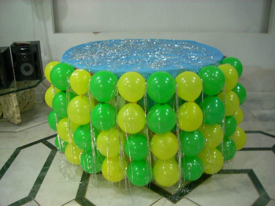 Balloon decoration indirapuram birthday bless 8860126785 for Easy balloon decorations at home