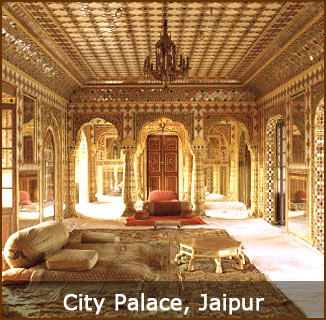 amazing royal interior in city palace jaipur. sideseeing attraction point in jaipur if u wanna seen more attraction points come jaipur and take a sideseeing for information call-9314662659