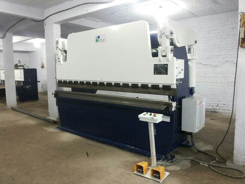 Ipan machineries are leading manufacturer of Hydraulic PRESS BRAKE in Ahmedabad Gujarat.  We have experience of almost 9 years of market.  Wide range of Hydraulic Press brake also we are providing sales and services in Ahmedabad Gujarat