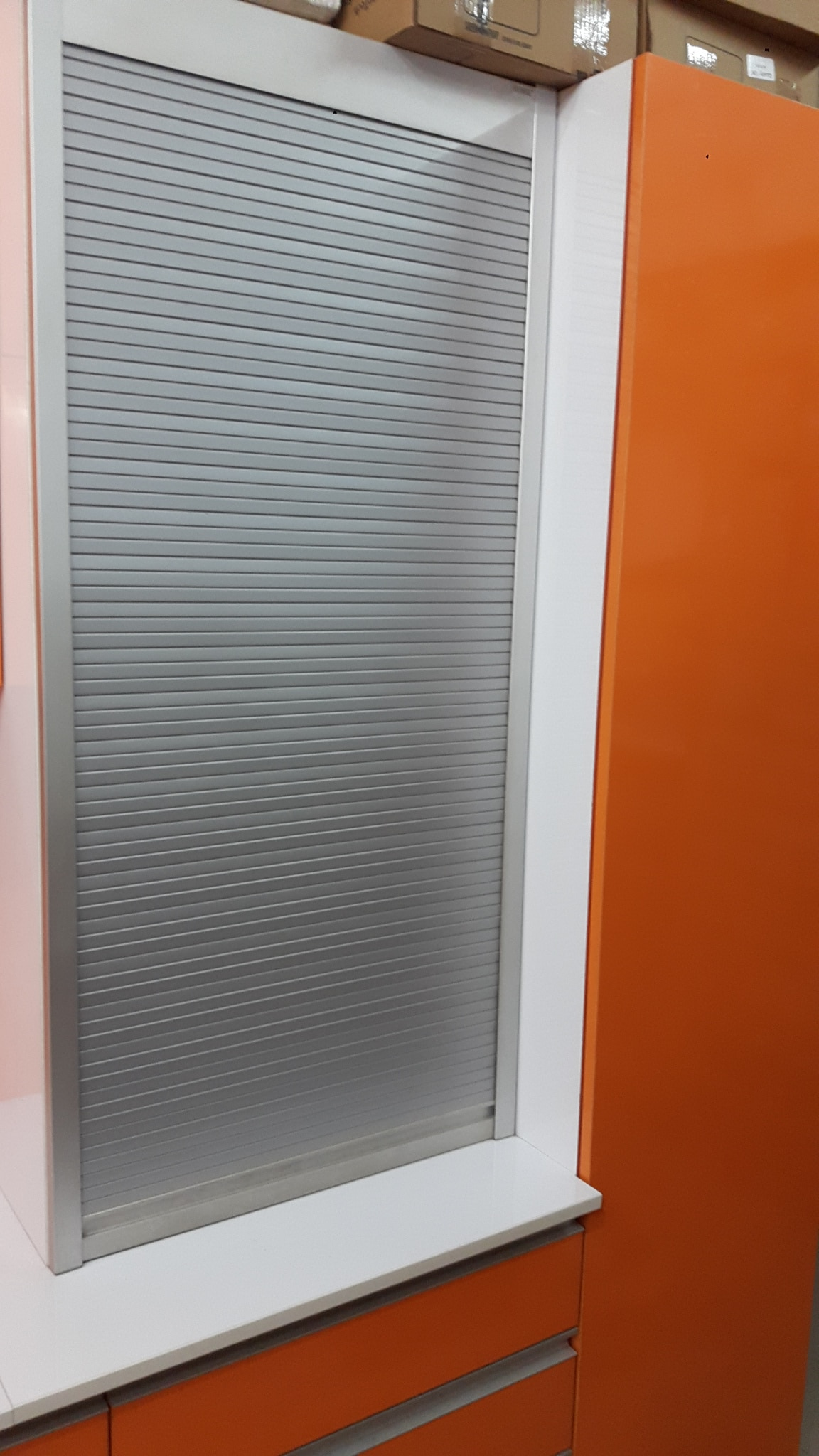 ROLLING SHUTTERS IN DIFFERENT COLORS