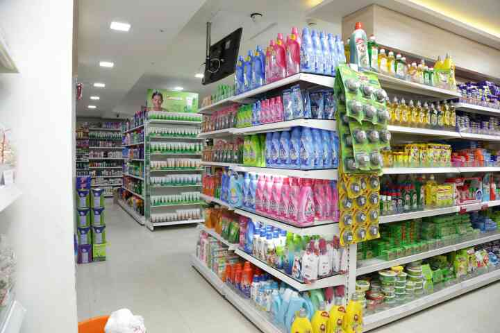 Are you looking for high quality display racks for supermarkets or showrooms? Donracks is the No.1 Supermarket Racks Manufacturer in Chennai. We supply all over Tamilnadu and India.  Our supermarket racks are available in various colours and can be customized according to your requirements.  For placing your order please feel free to contact us.