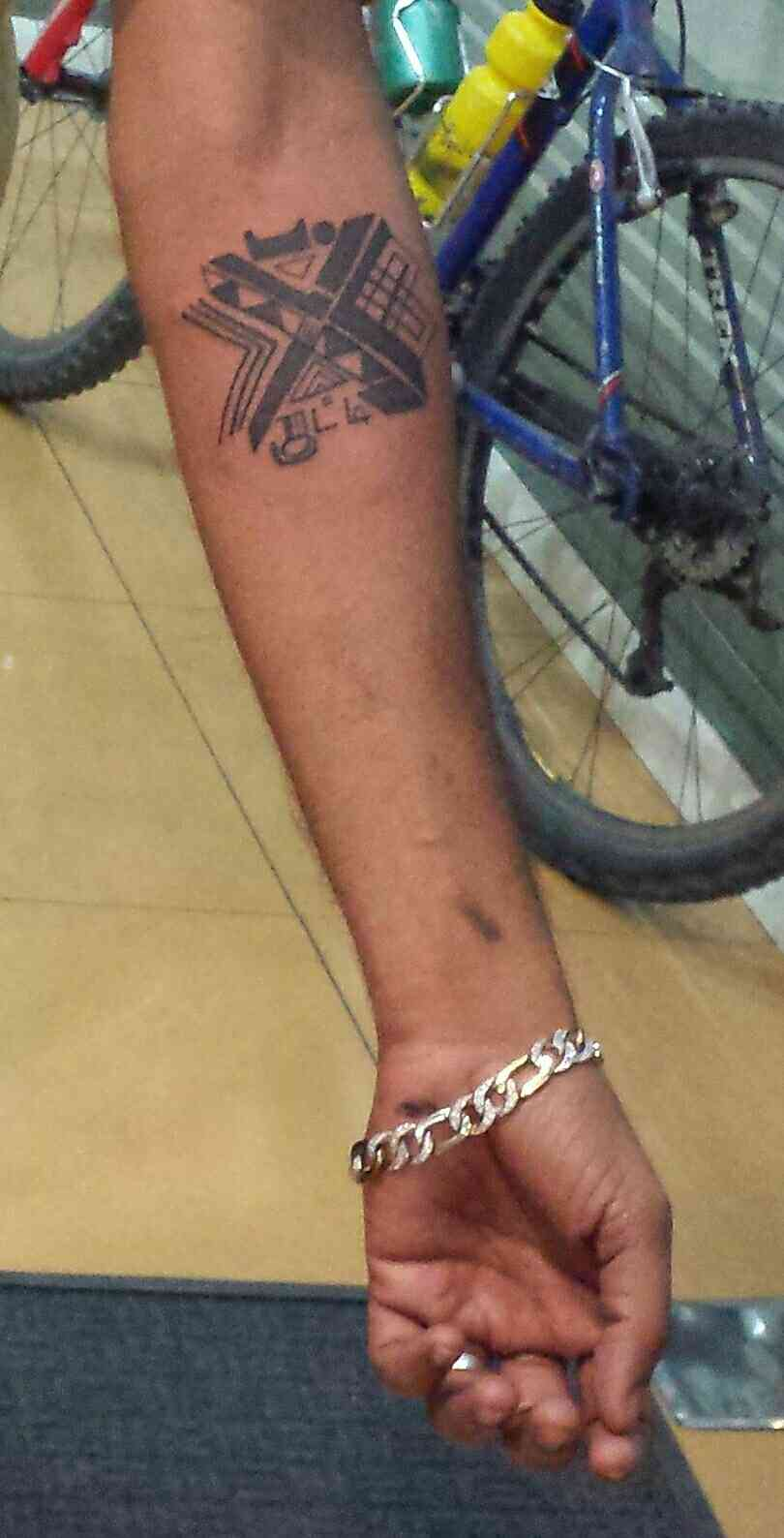 Mystery Tattoo. Name hides in the design. Thank you guys for reaching out to me @ 9059855555 for your tattoo.
