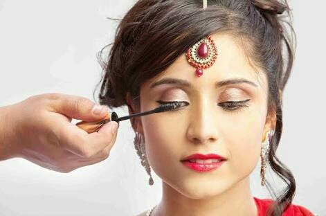 We are The Best Beauty Parlours For Women in Velachery
