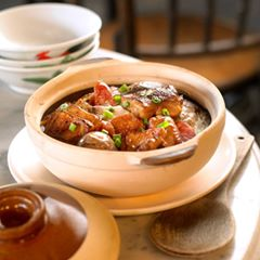 Do you know that when you order a Claypot Rice takeaway from Yee Cheong Yuen Noodle Restaurant, it comes together with a FREE Claypot? This way, the rice remains warm and you can enjoy the pleasure of eating Claypot Rice from the Claypot in the comfort of your home!