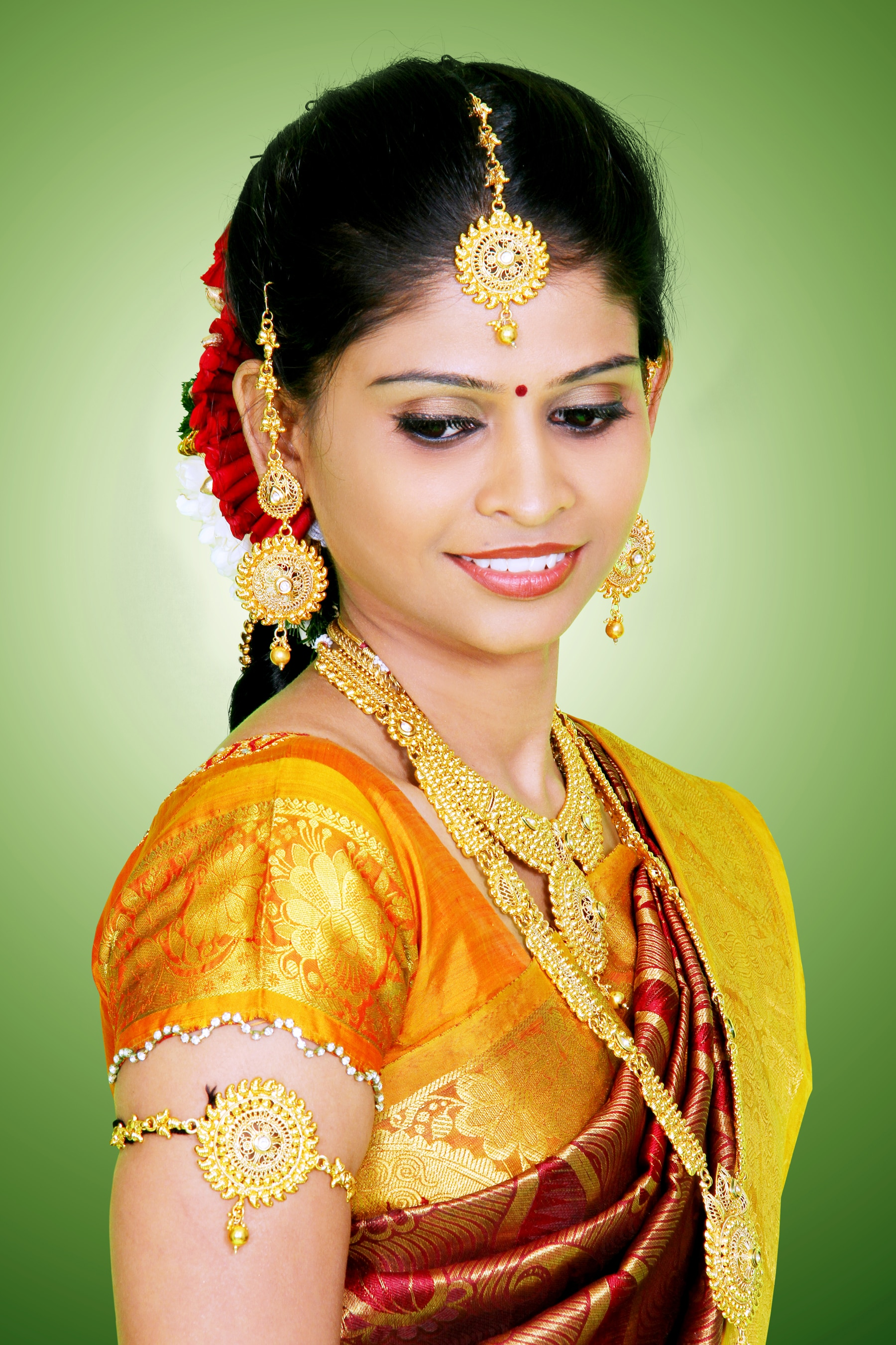 Beaueteck Family Salon we provide Best Service In Bridal Makeup In Coimbatore. Wedding Day Makeup In Coimbatore Makeup For Wedding In Coimbatore More Info www.beaueteck.com