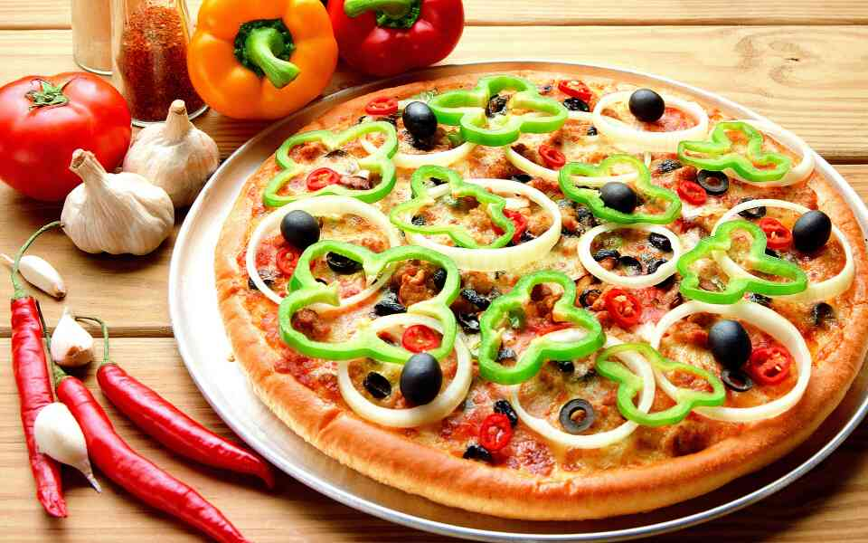 we are serving subz and pizza in MANJALPUR, Vadodara.