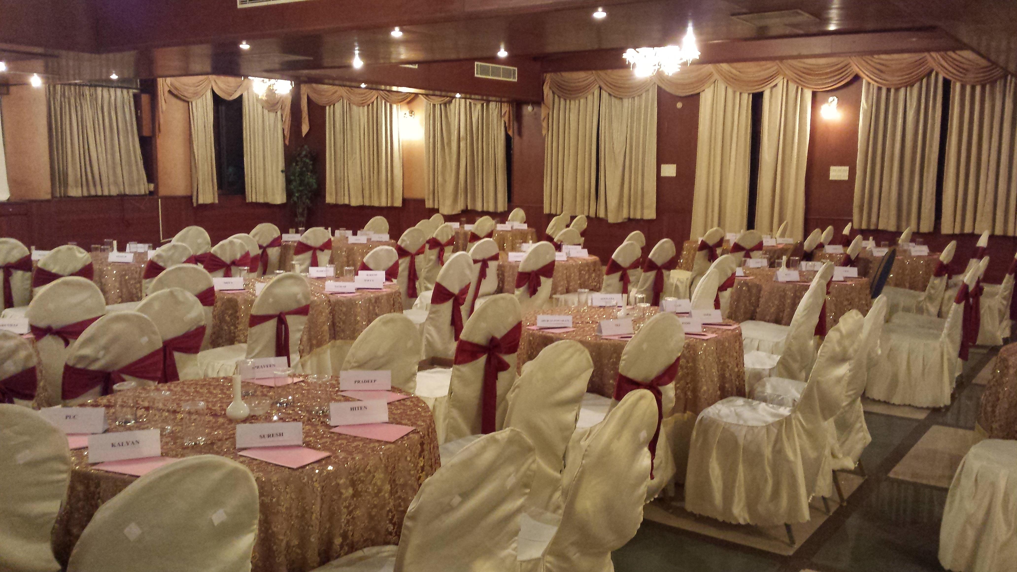 Outing Places around Hyderabad  Welcome to Celebrity Resort Hyderabad ( Mobile 9701322007 ) one of the most premium Resort & Hotel in shamirpet area Hyderabad a perfect place for your holiday at Hyderabad.  Ultra modern suites and Villas, Luxury rooms ensure your stay to be memorable and our well trained staff will add to your smiles. While the host of amenities like multi cuisine restaurant , Bar, indoor & out door activities , swimming pool , rain dance will pamper you to the hilt.  Also it has a lot of other facilities like marriage halls, conference halls, lush green lawns etc for all of your requirements. Call 9701322007 for any assistance.