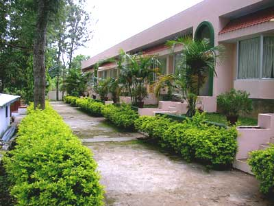 Hotel Yercaud International is one of the Resort Type Hotels in Yercaud. We commit you for a wonderful stay at Yercaud.  For Booking: 9994050559