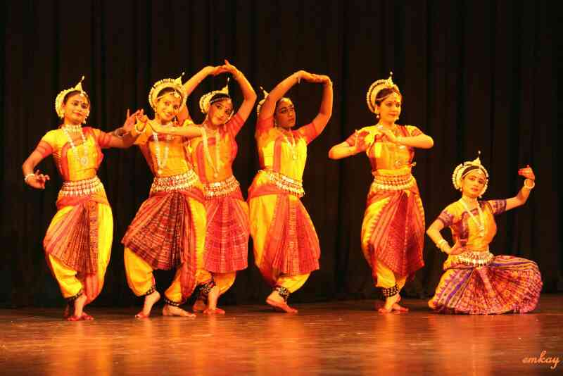 we are the one of the best costume for rent for all kind of cultural events in bangalore
