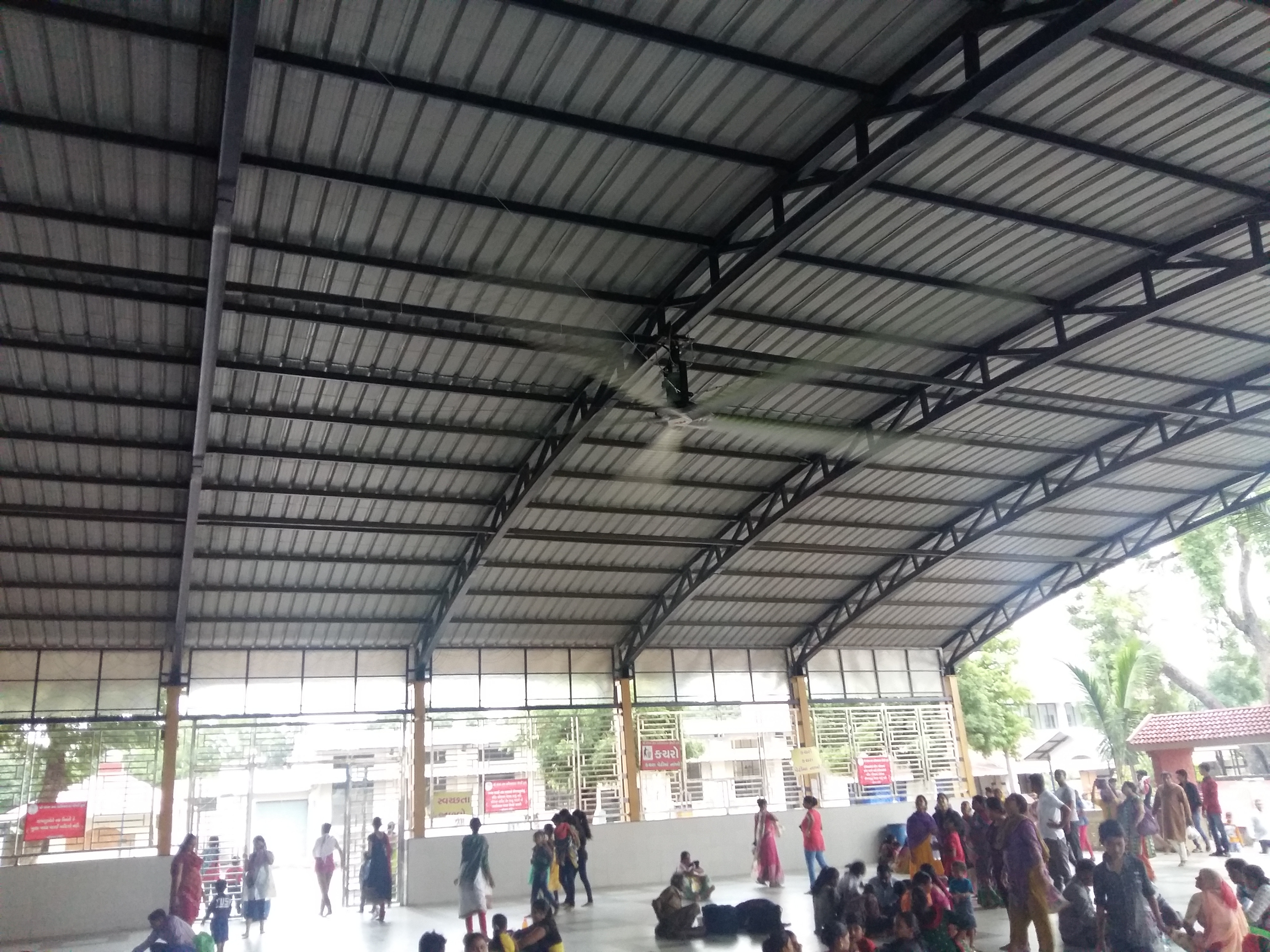 HVLS Fans India by MGTech Ahmedabad.  Ideal for big size areas Factories, Churches, Mosques, Temples, Gyms, Canteens.