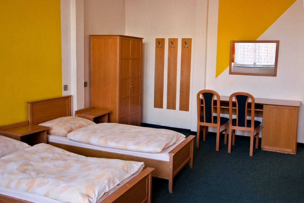 UPSC& TNPSC STUDENT HOSTEL IN ANNA NAGAR,   Provision of safety is an aspect of Women's Hostels which is very important. A BEST TNPSC STUDENT HOSTEL IN ANNA NAGAR hostel must make you feel comfortable and must give you home like feeling TNPSC STUDENT HOSTEL IN ANNA NAGAR,