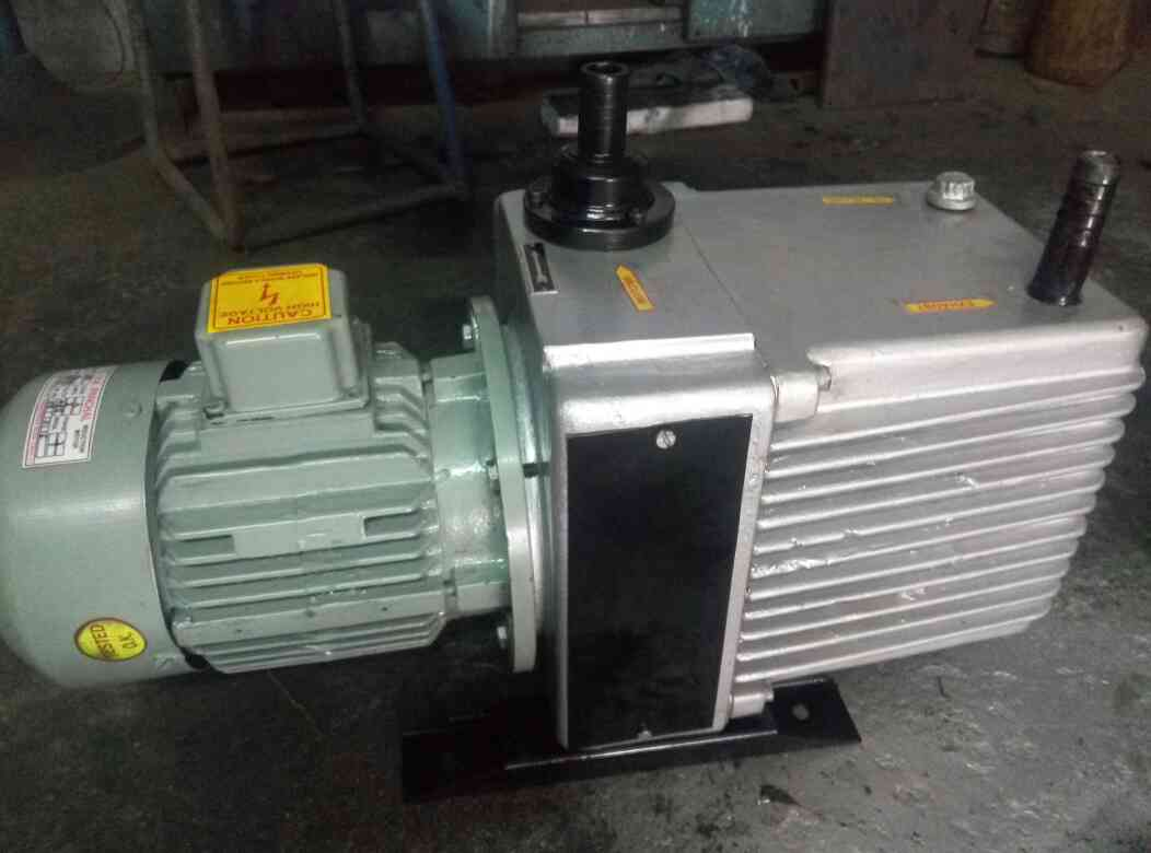 direct dive rotary van vacuum pump manufacturer of all type vacuum pump shaplayrs export in Ahemdabad Gujarat India