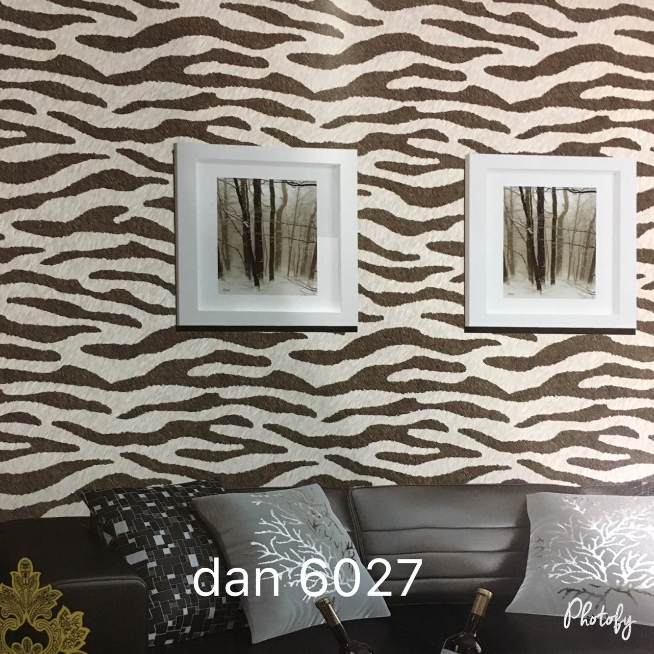 A Skin Wallpaper in Ashok Vihar Delhi.  A Skin Effect Imported Wallpaper for your Drawing room. It makes your Drawing room beautifully.   Supplier of Daniel Wallpaper.   To buy call us   Wallparadise- Daniel wallpaper in Ashok vihar Delhi.
