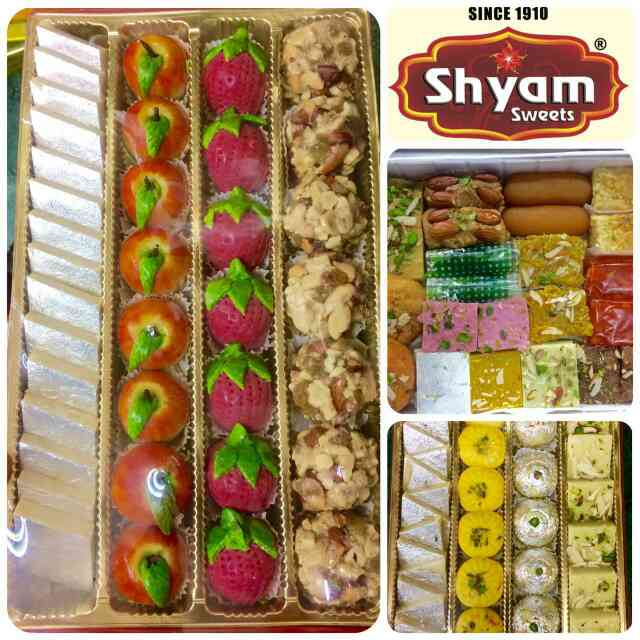 Fancy assorted dry fruits' sweets box. Enjoy this captivating and eye bewitching variety of sweets only at #shyamsweets  #food #foodporn #yum #sweets #instafood #yummy  #amazing  #photooftheday #sweet #noedit #breakfast #fresh #tasty #food  #delicious #eating #foodpic #foodpics #eat #hungry #foodgasm  #foods #mithai #desi #delhifood #drooling