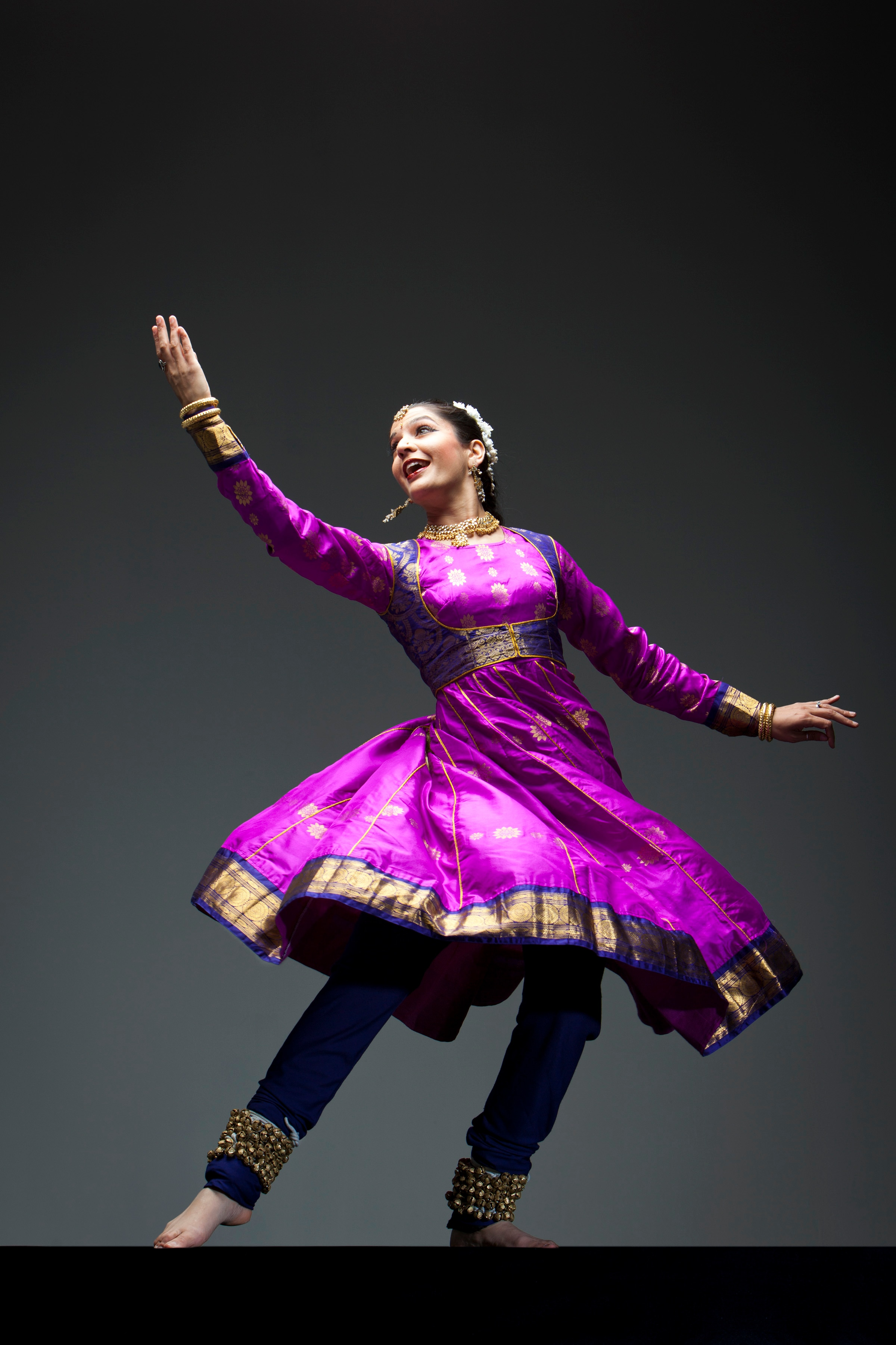 kathak dance Kathak, an indian classical dance form, is the culmination of years of varied cultural influences on the art that emanated from the story-tellers of the ancient temples kathak contains traces of temple and ritual dances, along with certain features of persian and central asian dances.