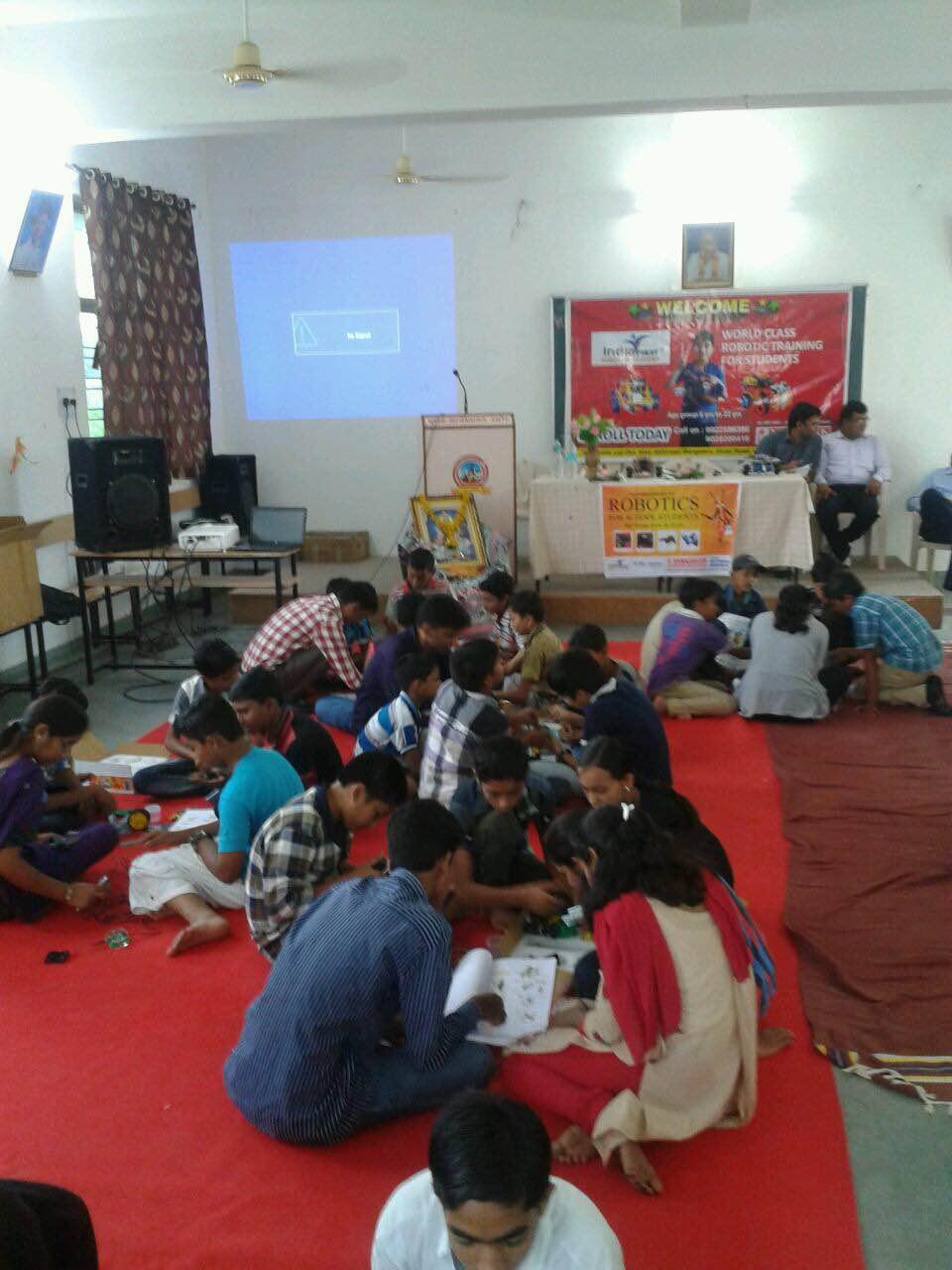 Robotics Training for School Students