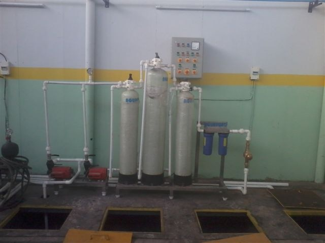 Manufature of Effluent Treatment Plant in Bihar.   We at Aguapuro We at Aguapuro, Design, Manufacture, Supply, Install & Commission Effluent Treatment Plants. Our Range of ETPs starts from 10 KLD up to 3 MLD.   System comprisesn of following Stages :  1. Screen Chamber  2. Equalisation Tank  3. Biological Treatment like MBR or MBBR  4. Settling Tanks like Tube Deck Settler or Clarrifiers  5. Chlorination or Ozonation or Clarifier  6. Post Filtration like Sand & Carbon Filter  7. Tertiary Treatment like Softening or Reverse Osmosis.   More details log on to http://www.aguapuro.com/effluent-treatment-plant.html