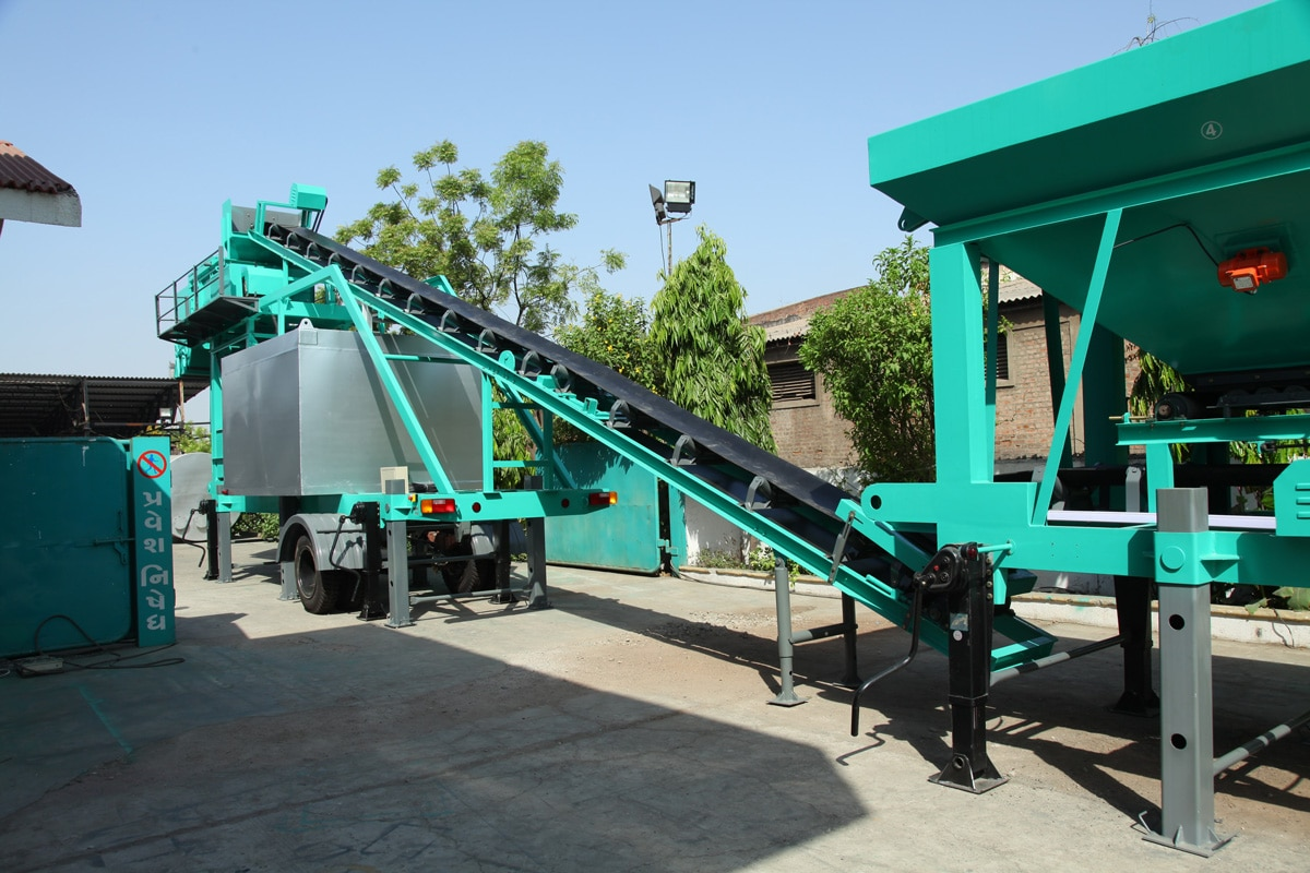 We are leading manufacturer of Mobile Asphalt Plant Mobile M Dual 60-120 TPH in Ahmedabad, Gujarat, India  We are also exporter and service providers overseas Mobile Asphalt Plant with capacity 60-120 TPH holds great importance in the construction of roads from small to medium scale. The motive behind the manufacturing of this plant is the seamless assembling and disassembling for shifting it one place to another conveniently.