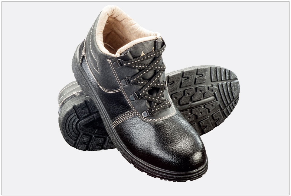 Siddhi Vinayak enterprise is leading supplier of safety shoe in Hyderabad, India   We are dealing in all types of safety belt as per clients requirements.   For More Details   Call:  7802818776