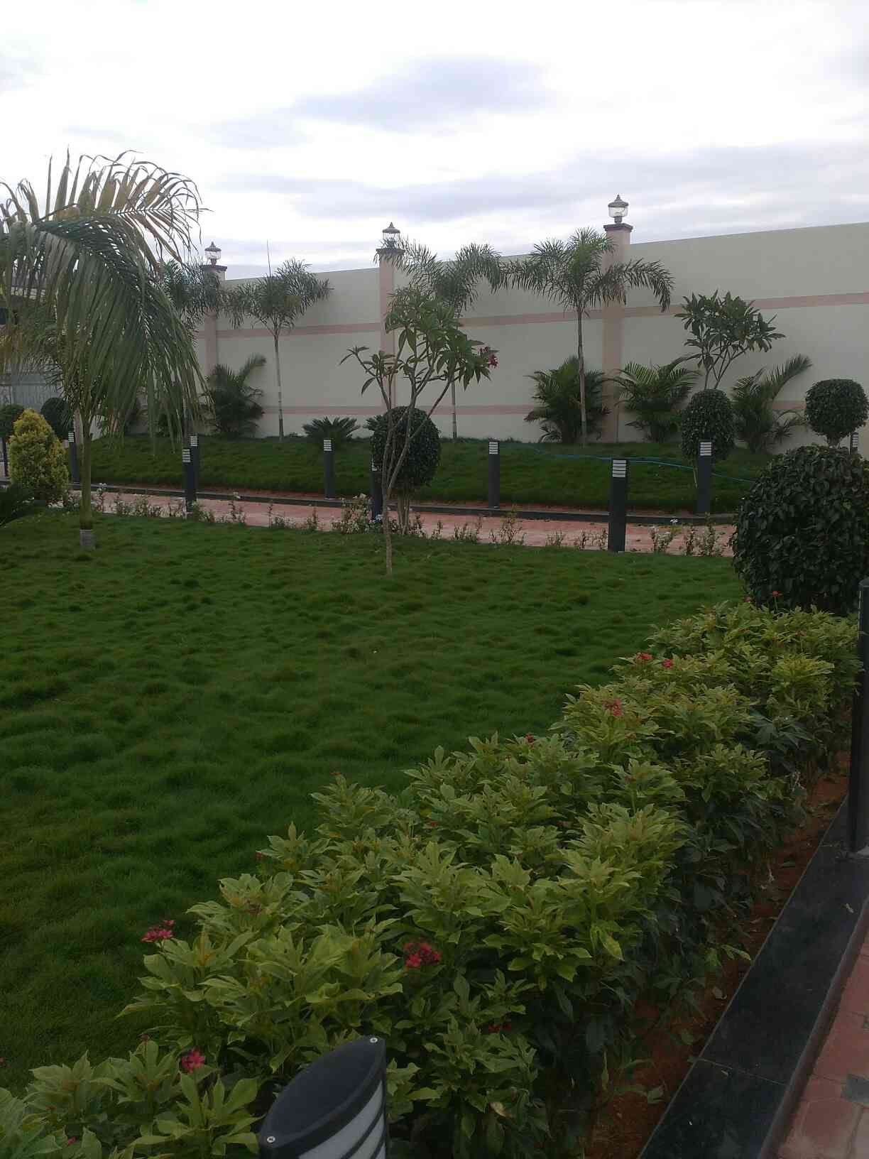 Best landscaping contractor in Bangalore we undertake a number of different landscape services activities such as developing new garden, constructing new layouts for gardens, planting of shrubs, plants and all types of Lawn.