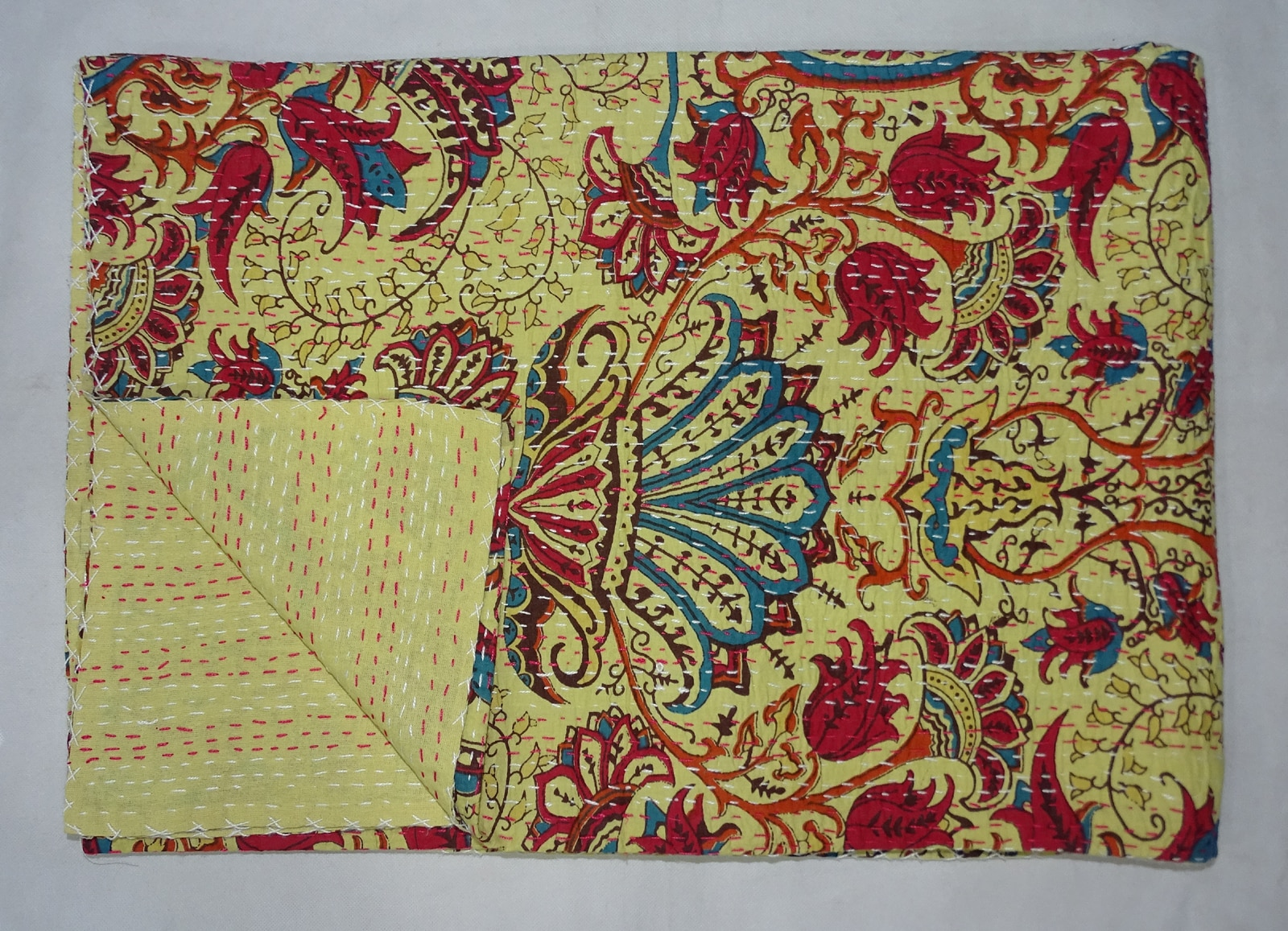 Kantha Quilt   Indian Kantha Quilt Twin Size Cotton Bedsheet Handmade Mughal Bedspread Throw   Size:- 60x90.Inch (Twin) Color:- Red Material;- Cotton  Pattern:- Mughal Floral    For More Product Please Visit Our eBay Store:- http://www.ebay.com/usr/bhavyainternational http://www.ebay.com/usr/nikitahomefurnishing Thank You Have A Nice Day