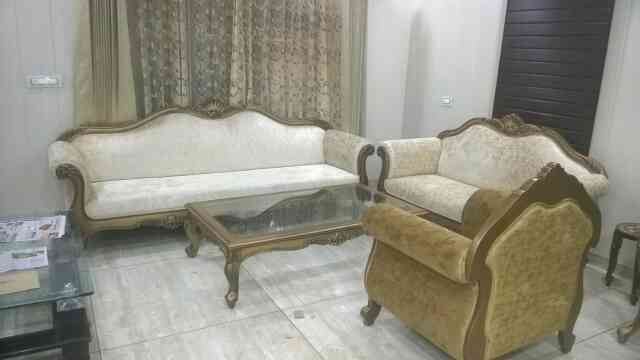 sofas with intricate carving and antique finish manufacturer in Naraina industrial area phase 1