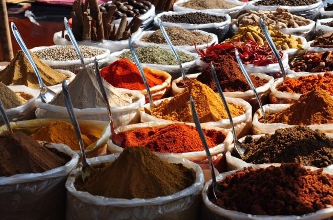 Spice World: The Adventure to Khari Baoli  Khari Baoli was built in 1551 during the reign of Islam Shah. Baoli means a