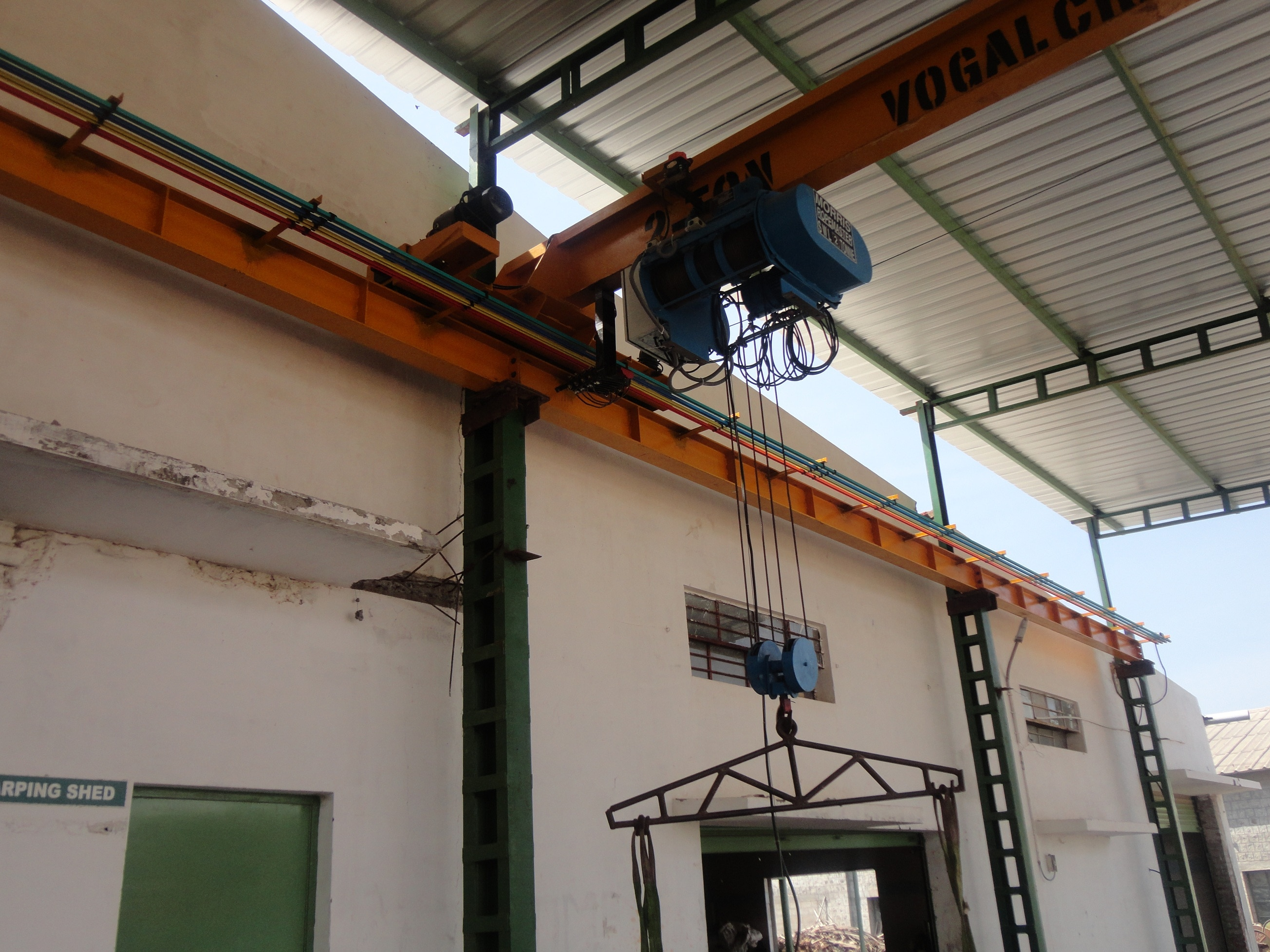 We Are Leading Manufacturers And Suppliers Of EOT Cranes,  In Coimbatore, Tamil Nadu , India. Lifiting Hoist Manufacturer In India Hoist Cranes Manufacturer In Coimbatore Double Girder  Manufacturer In India  For More Info www.lightcrescent.com
