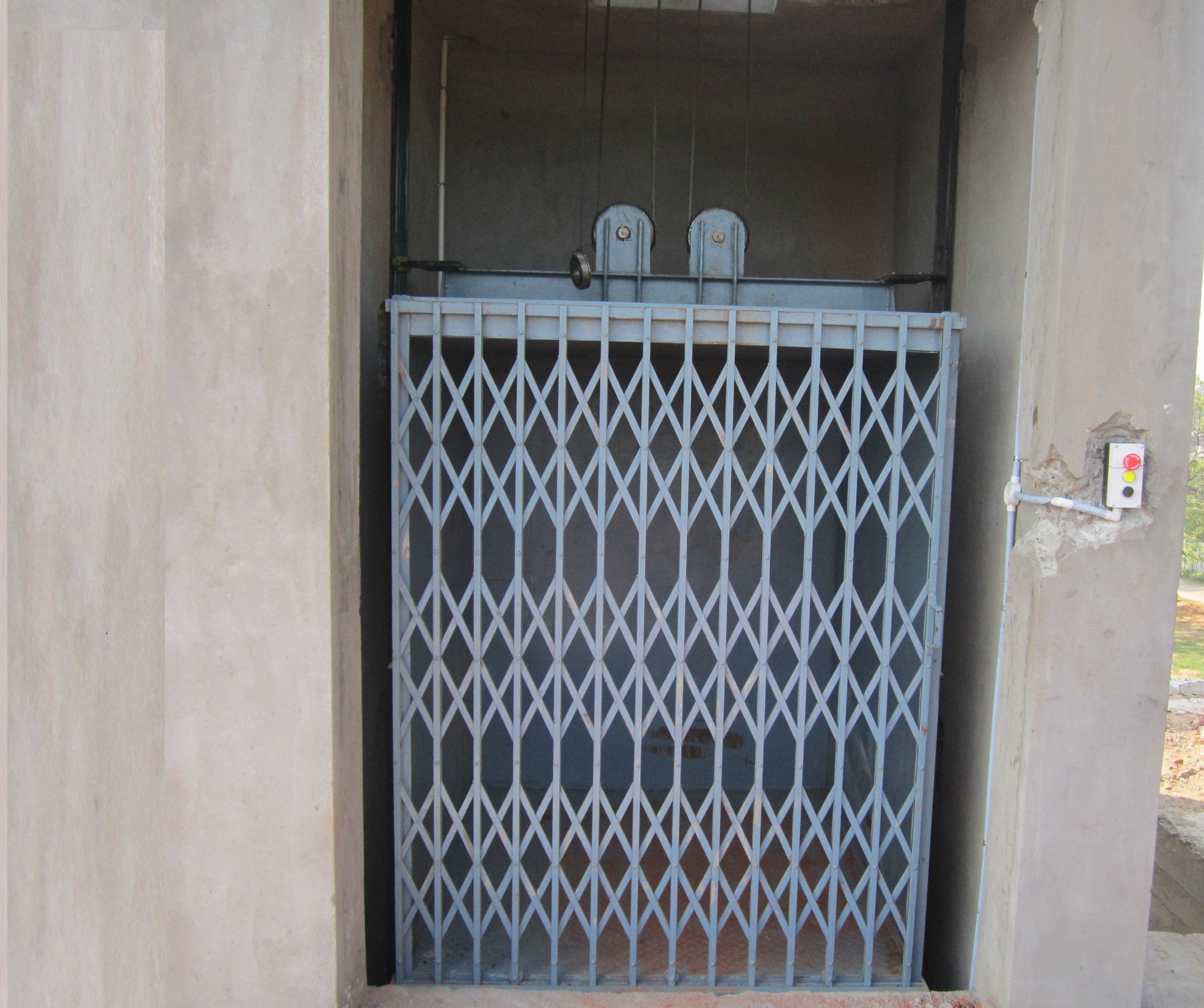 We are Manufacturer And Suppliers of Material Handling Lift In India. Manufacturer of Material  Lift In Tamilnadu Manufacturer of Material Handling Equipment In Kerala Lifting Equipment Manufacturer In Coimbatore  For More Info www.lightcrescent.com