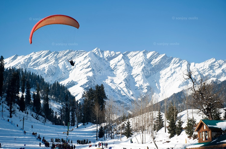 Tourist Places in Manali  Manali is well connected with the all major states of North India, Like Uttrakhand, Haryana, Uttar Pradesh, Punjab. Whole of the year national and International tourist are coming in this beautiful place of Manali, Lovely beautiful view of nature; it's like the heaven on Earth, Most scenic and breathtakingly beautiful locations, Right Now the Best 3 Month Mid Season time to visit in Manali, When you travel to Manali, you will love to visit popular tourist spots and enjoy the local culture. Amongst other Things to do in Manali, you can surely explore some of the best things to do in Manali to make your trip a fulfilling one. , if you are planning for honeymoon Manali has been the most popular honeymoon destination for honeymooners. Fill your honeymoon with lasting memories when you escape to Destination with Thomas Villa, Hotel and Cottages in Manali, Near to mall Road. Manali is the most striking & charming city, widely popular for its hot springs, snowy hills and scenic beauties. It's a magical hill station known as 'the valley of gods'.Himachal Government has a big source of international income from this city, This Hill Station is the best destination in Himachal Pradesh , Mostly heavy snow fall record in month of December and January over there,