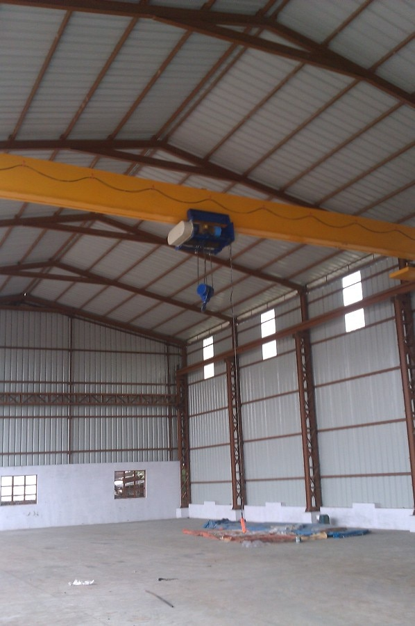 #EOT cranes manufacturer in kathwada GIDC, ahmedabad. we are manufacturer of the both type EOT cranes (1) single girder and (2) double girder EOT cranes. we also supplier and exporter of the EOT cranes.  our EOT cranes are more advanced to the others and noise free or low in cost. we manufacture the EOT cranes as per clients or customers requirement.