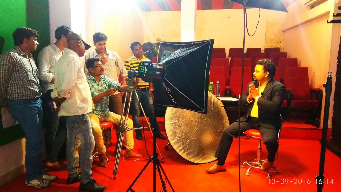 BEST ACTING INSTITUTE IN DELHI  Become a coveted actor for the big and small screen Acting Course Institute GTB nagar Livewires provides an extensive selection of educational workshops, seminars, and training for both the adult young performer. Instruction for motion pictures, television, radio, theater, commercials, industrials, print, and variety entertainment.  Livewires focuses on the individual; preparing each to perform at their peak, with confidence. We show you how, and where, to find professional work, and how to avoid costly and unnecessary mistakes along the way... Providing a well-trained, professionally oriented talent pool to casting professionals, producers, and studios. The Institute provides Actors and technicians with the best possible skills, and information; and productions with reliable, well trained, well informed talent.