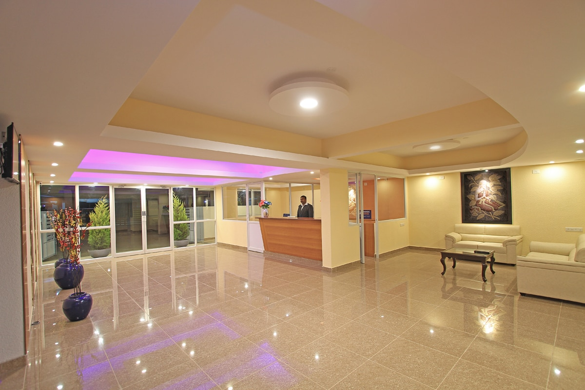 Hotels near bangalore international airport terminal. Arra Grande Suites one of the luxury property near bangalore international airport.