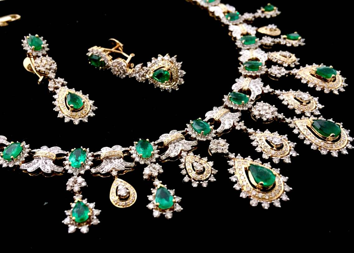 Exclusive Gemstone Jewellery that are not only fab to wear but great to look. At Valentine Jewellery we make sure each gemstone gets the perfect place it deserve in the jewel. Want to know more for this Emerald Necklace or more of such Fine Jewelry pieces mail us at info@valentinejewelleryindia.com