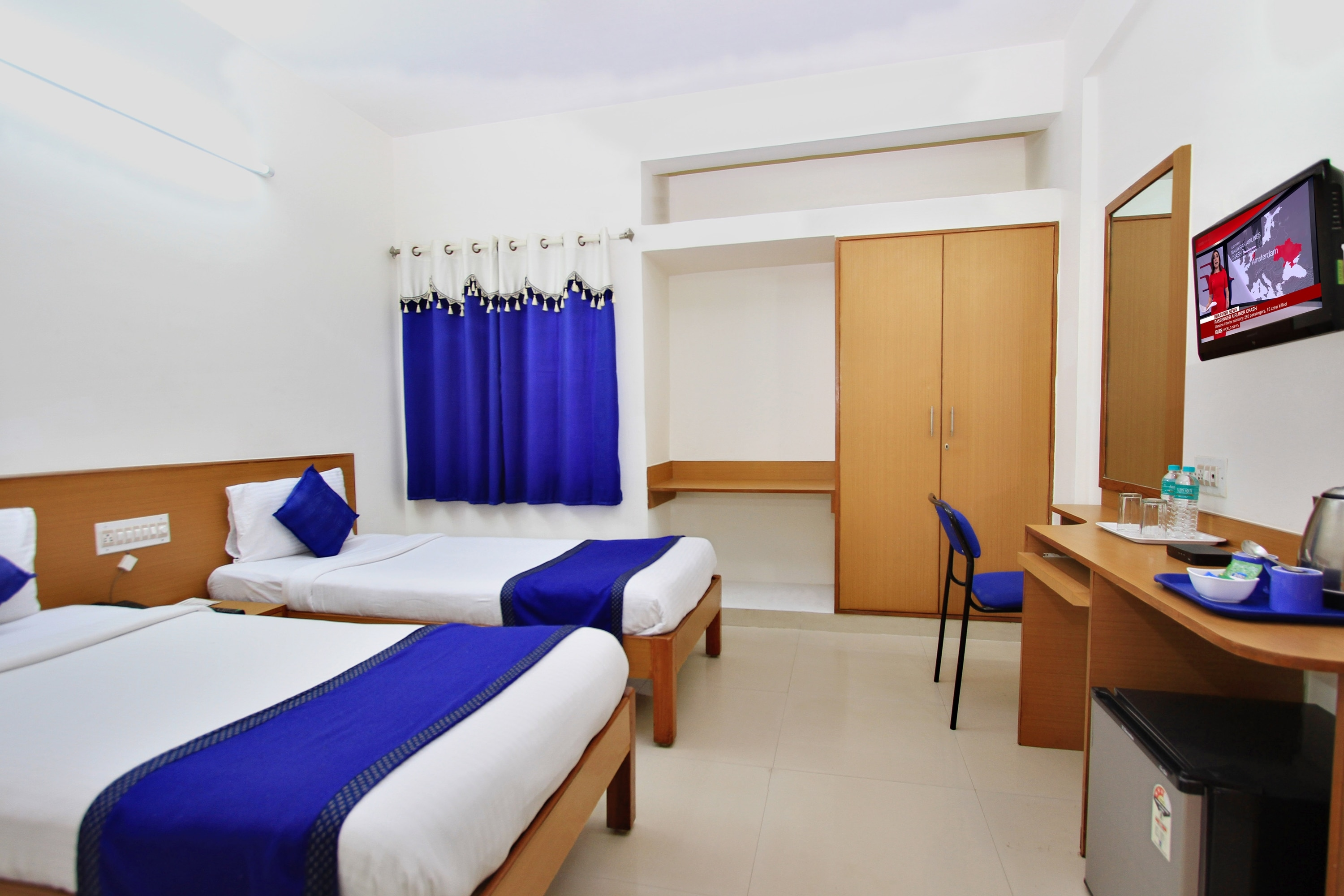 Feel Free to call arra suites, If you are hunting for hotels near kempegowda Airport international terminal. Free wifi and breakfast