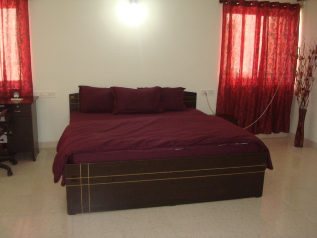 Guest House in Kundanahalli  with complementary breakfast and wifi connection