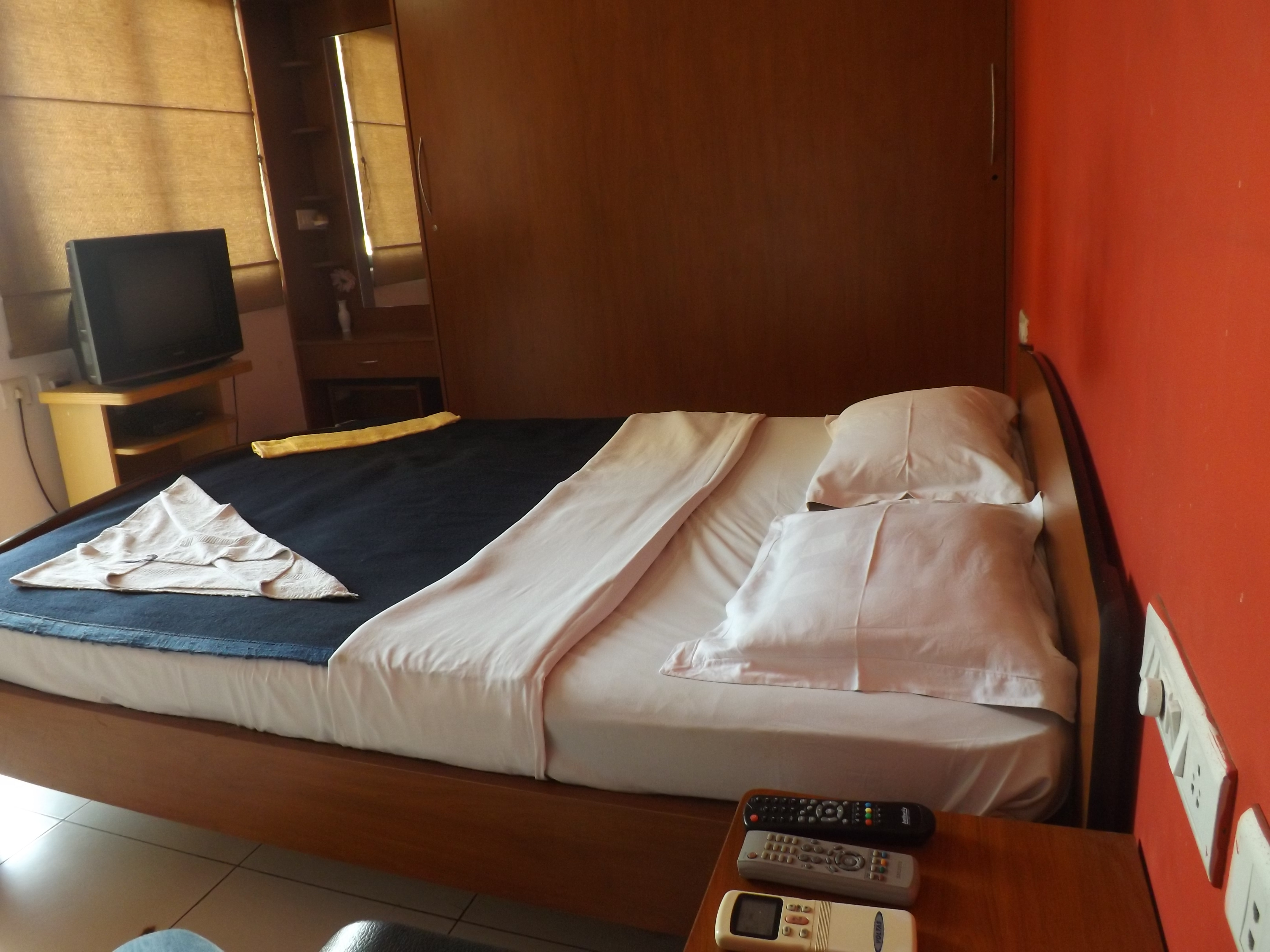 Serviced Apartment in  Brookefield   Fully Furnished , excellent service , family environment ,   Please  call :- 9535182427