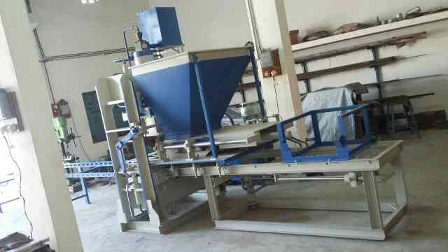 i want to fly ash brick making  machine in india!  machine pdf file. seme auto machine pdf file. fully auto machine project.