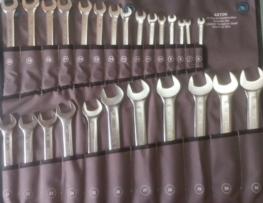 Combination Spanner Set   Manufactured from chrome vanadium steel. Long reach, wall drive. Conform with DIN 3113. Contents 6, 7, 8, 9, 10, 11, 12, 13, 14, 15, 16, 17, 18, 19, 20, 21, 22, 23, 24, 25, 26, 27, 28, 29, 30 and 32mm.