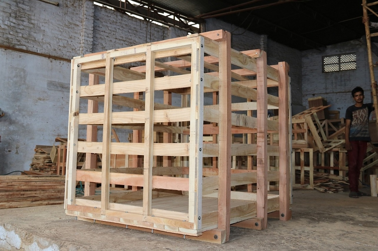 We make Detachable Wooden Crate for Re-uses & Checking before destination.