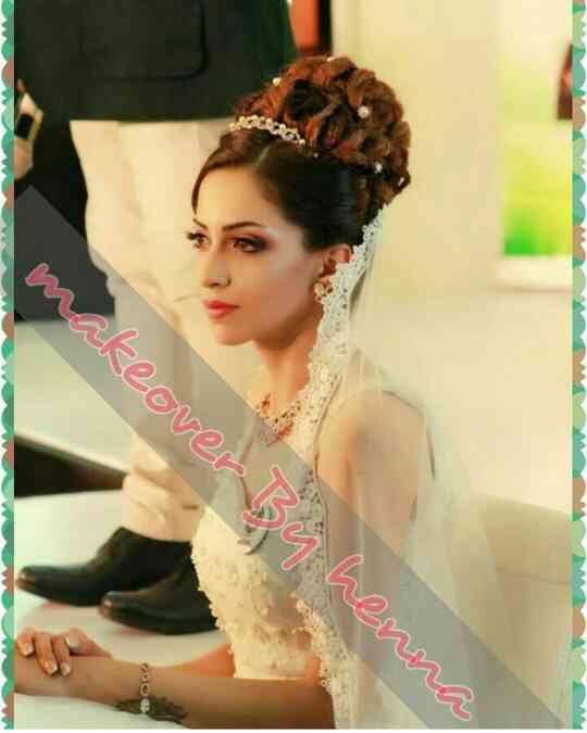 Celebrity makeup artist in Delhi NCR