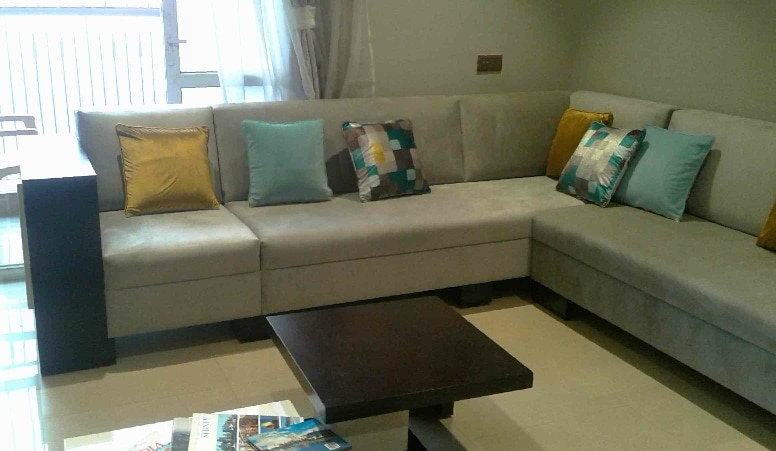 Sectional sofa in leathrite