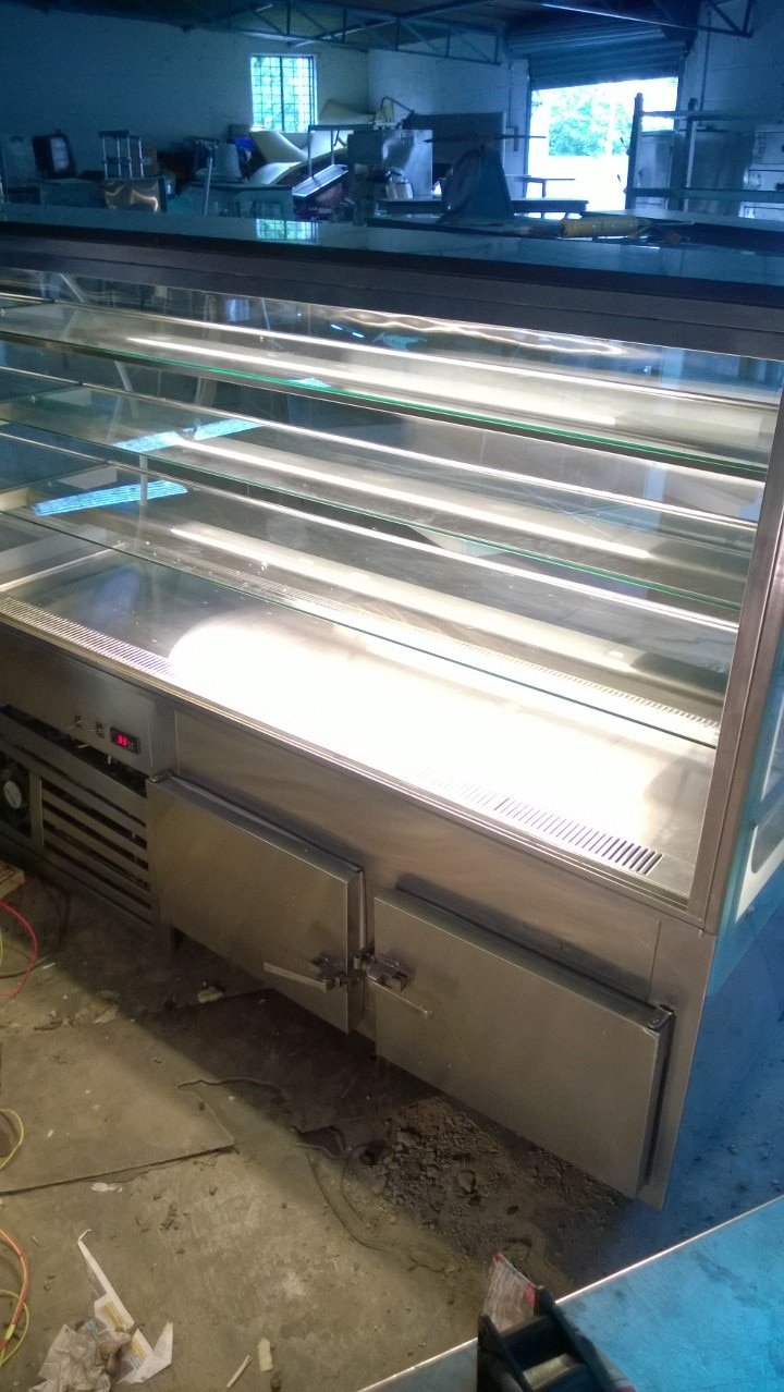 Are looking to open new hotel or bakery? Dont waste your money investing on new items. visit us we have huge stock of second hand hotel equipment and bakery items. Just come and pickup whichever you needed. we are no.1 dealers of used hotel equipment in Bangalore. just call to reach us anytime of bakery display counters, juice counters, chat counters, Burners of all kinds, chimney and many more..