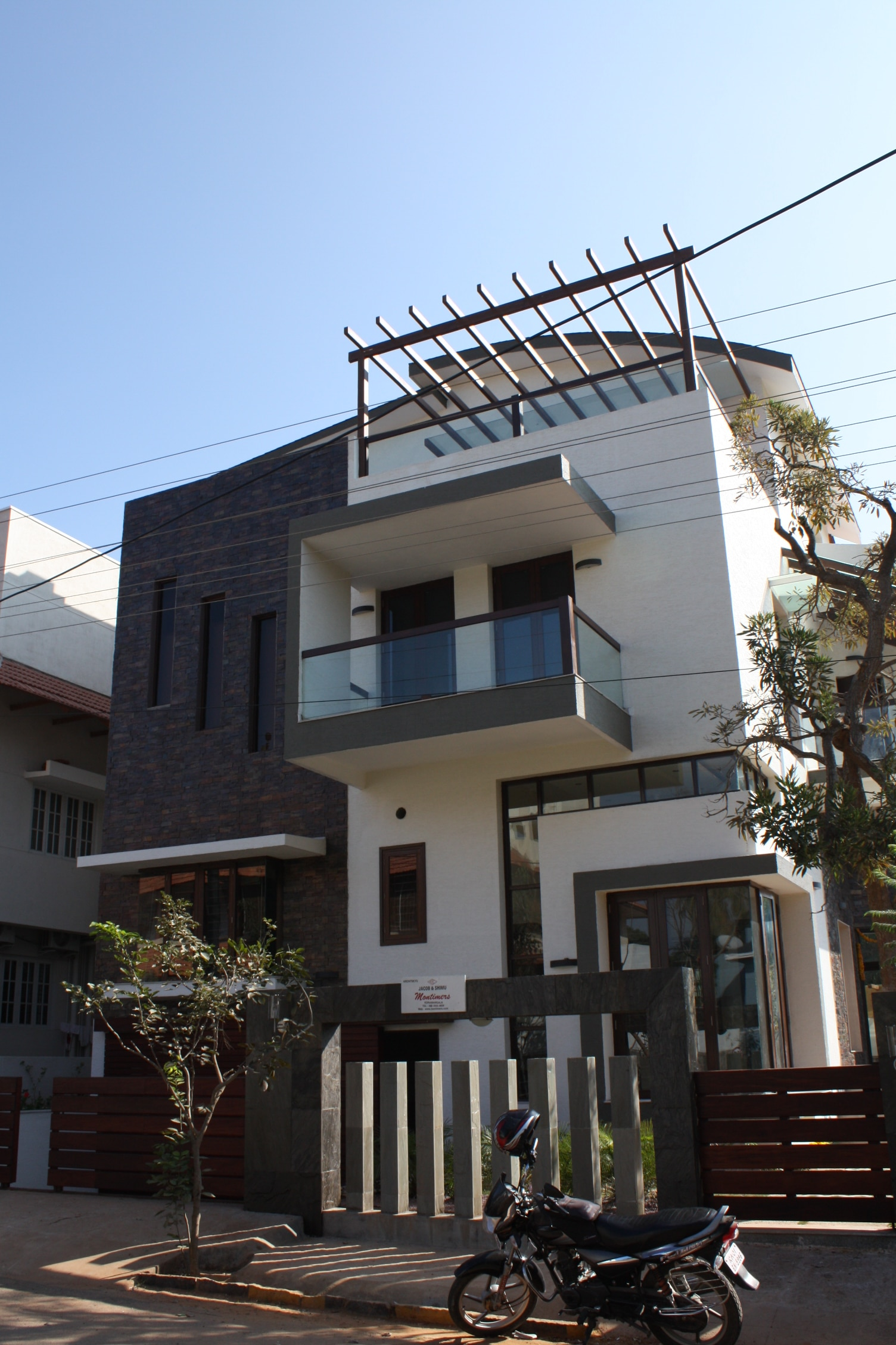 Best, Top, Leading architect in Bangalore montimers, Koramangala. Latest , modern, contemporary , ethnic designs . www.montimers.com face book- montimers architects 08041677116 09341235616
