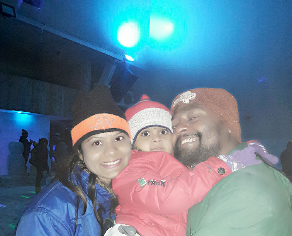 Chal Beta Selfie lele Re.. click a Cutest Selfie With Family only at #Snow #park #Goa   more Detail visit www.snowparkgoa.com or call us at +91-9595420781