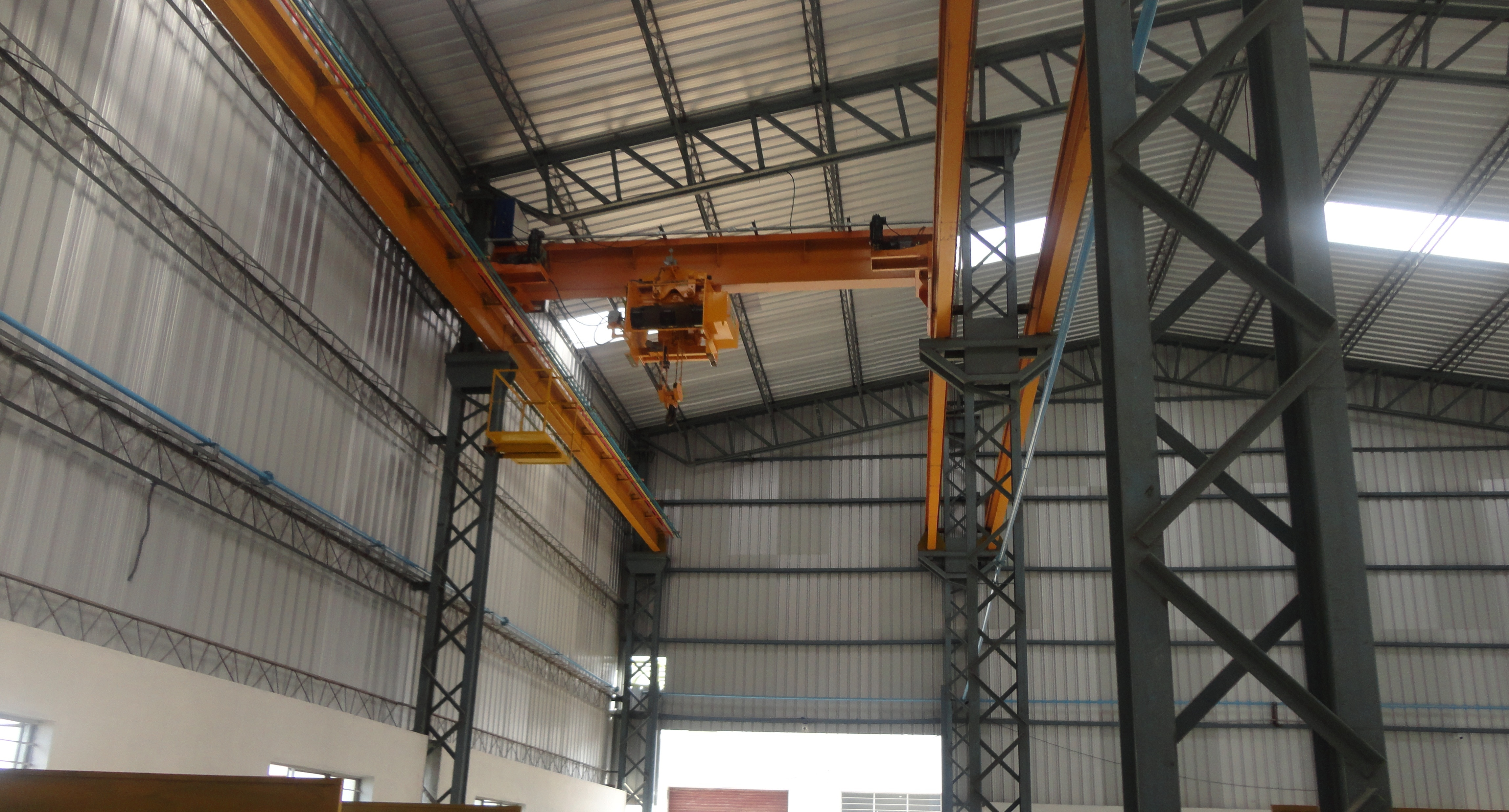 We Are Leading Manufacturers And Suppliers Of EOT Cranes, In Coimbatore, Tamil Nadu , India.  Lifting Hoist Manufacturer In India  Hoist Cranes Manufacturer In Coimbatore  Industrial Crane Manufacturer In Kerala   For More Info  www.lightcrescent.com